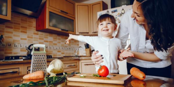 Poznaj zasady prawidłowego żywienia 2-3 latka